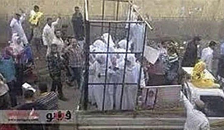 Témoignage: «Traitées comme du bétail»,  les femmes Yézidi et Chrétiennes vendues, violées, réduites en esclavage par l'Etat islamique