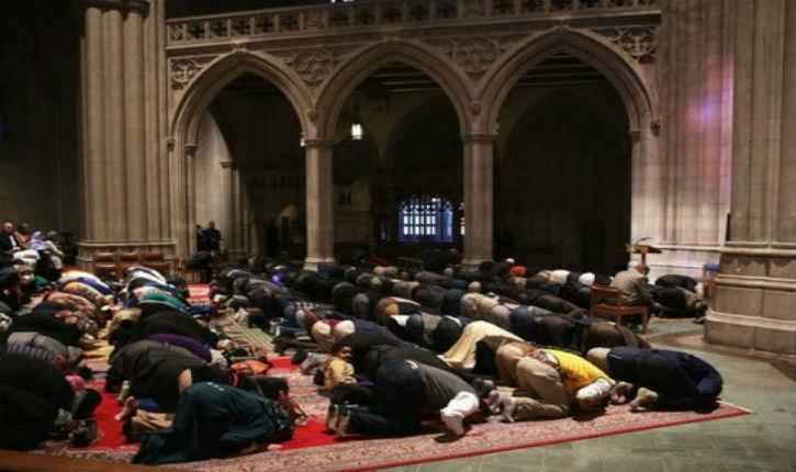 Une chrétienne s'insurge contre la prière musulmane dans la cathédrale de Washington et se fait expulser (vidéo)