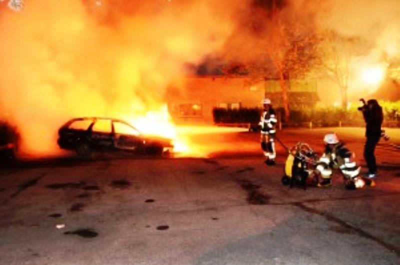 [Vidéo] La Suède, l'amie des terroristes arabes de «Palestine» est confrontée à des émeutes dans le quartier musulman de Stockholm