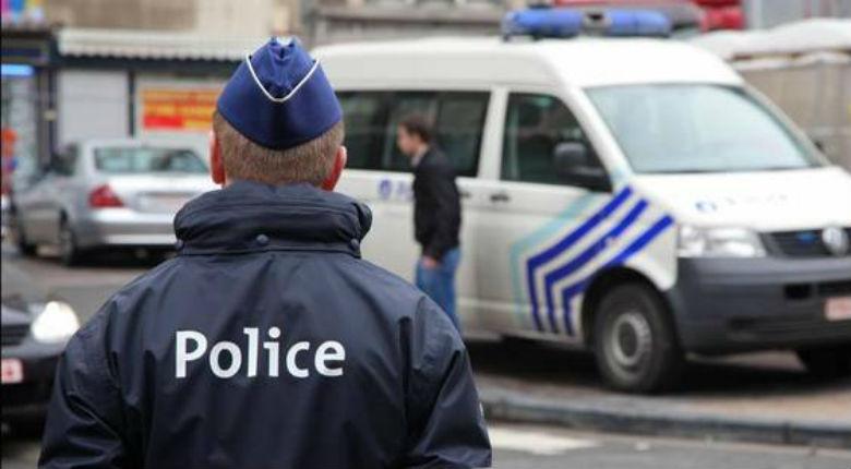 La pandémie des «déséquilibrés» s'étend: Bruxelles, un déséquilibré fonce dans la foule et fait trois blessés. Il est remis en liberté…
