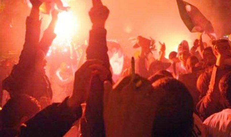 Des Algérois fêtent le massacre de Charlie Hebdo