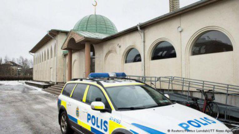 Faux actes islamophobes: Suède, la mosquée a été incendiée par un musulman