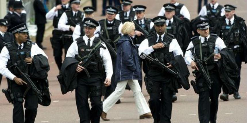 Alerte anti-terroriste : opération policière armée au centre de Londres