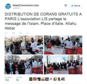 DISTRIBUTION DE CORANS GRATUITS A PARIS L'association LIS partage le message de l'Islam, Place d'Italie. Allahu Akbar