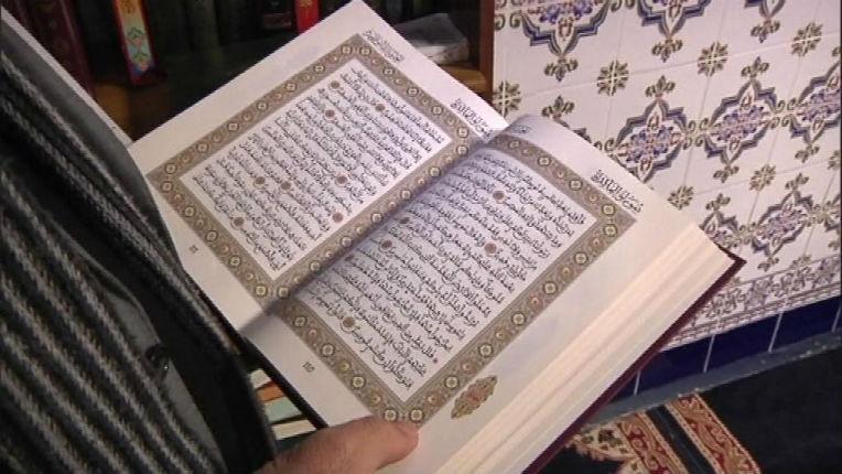 Un haut fonctionnaire du Maroc, écrivain, dénonce la haine de l'Islam à l'égard des Juifs et des Chrétiens «Tant que des versets coraniques et des hadiths qui provoquent la haine»