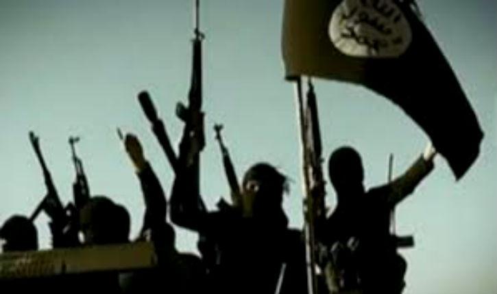 Aux prises avec la guerre terroriste sur son sol, la France s'enfonce dans un cauchemar