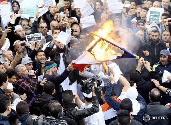 manifestation algérie charlie hebdo