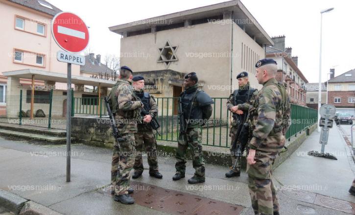 Vigipirate : Incident devant la Synagogue de Saint-Dié. Un militaire met en joue un provocateur islamiste