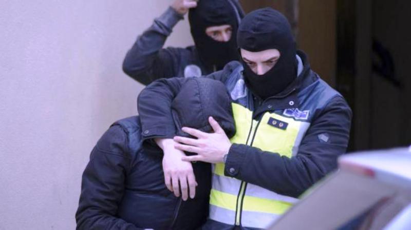 Espagne: Un musulman violent criant «Allahu Akbar, tous les chrétiens vous allez mourir!» a été arrêté