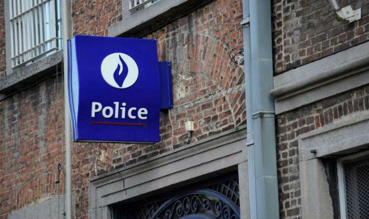 Belgique: 40 migrants ont pris la fuite à pied à travers champs à Spy
