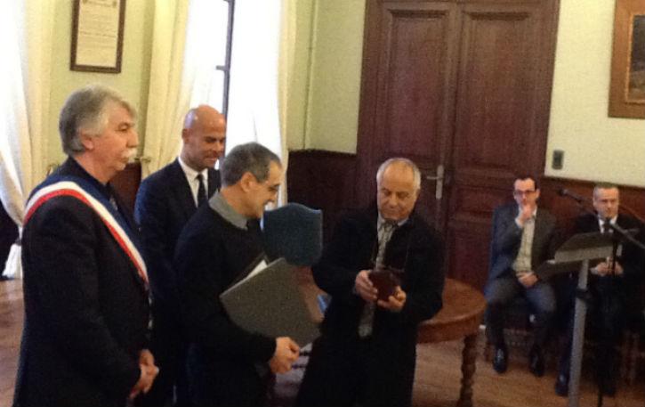 remise de la Médaille des Justes Parmi les Nations, pour Simone Maurel,