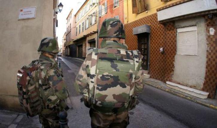 A la Seyne-sur-mer, ils foncent sur des militaires gardant la synagogue en criant «Kouachi, Kouachi!»
