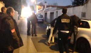 un déséquilibré fonce sur des policiers à Nimes