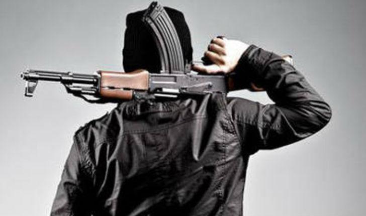 Seine-Saint-Denis: 3 kalachnikovs, un lance-roquette et un fusil à pompe saisis dans une voiture