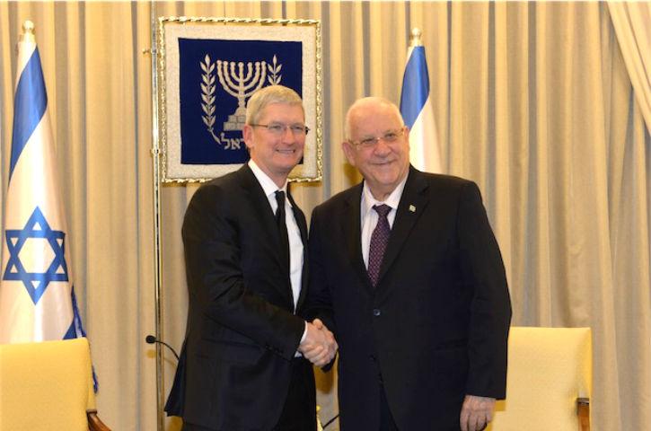 Le patron d'Apple admire Israël « Votre contribution à l'humanité est sans précédent. Ce que vous faites est un véritable miracle »