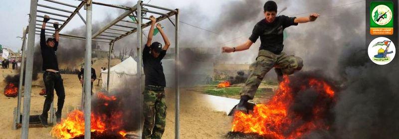 Toutes les épreuves de combats leurs sont enseignées pour en faire des combattants aguerris.  (Photo: @qassam_arabic1/ Twitter/Hamas)
