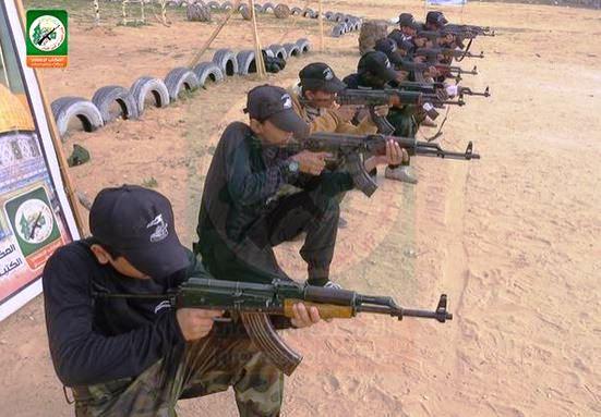 De futurs tueurs. (Photo: @qassam_arabic1/ Twitter/Hamas)