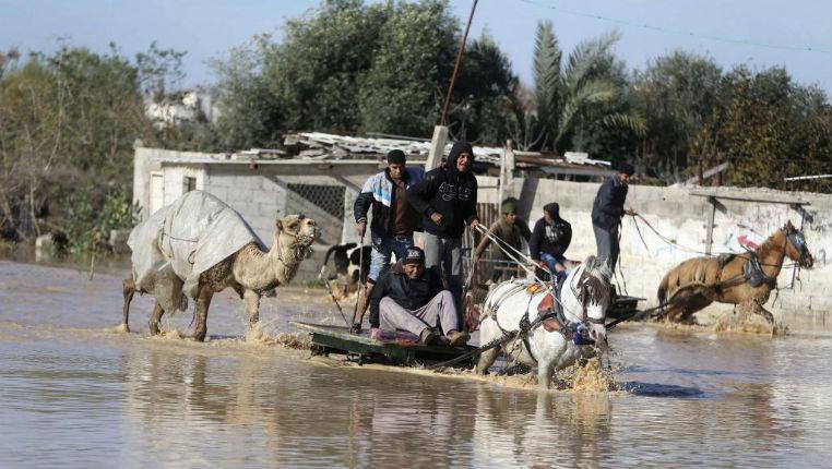 Inondations à Gaza: Les tunnels sont inondés. Les islamistes du Hamas accusent Israël…