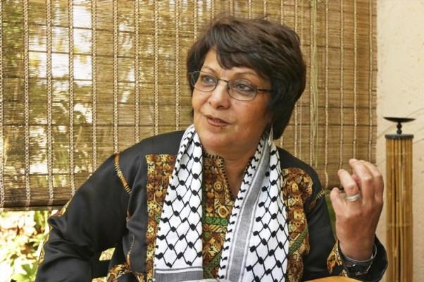 Leïla Khaled née le 9 avril 1944 à Haïfa, est une terroriste arabe dite « palestinienne « du Front populaire de libération de la Palestine (FPLP). Elle est actuellement membre du Conseil national palestinien. Khaled s'est fait connaître en 1969 en devenant la première femme à détourner un avion et l'année suivante en en détournant un autre.