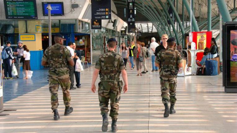 Lille : « Vous serez tous tués par Al-Qaïda », un homme voulait « égorger tous les militaires comme des moutons »