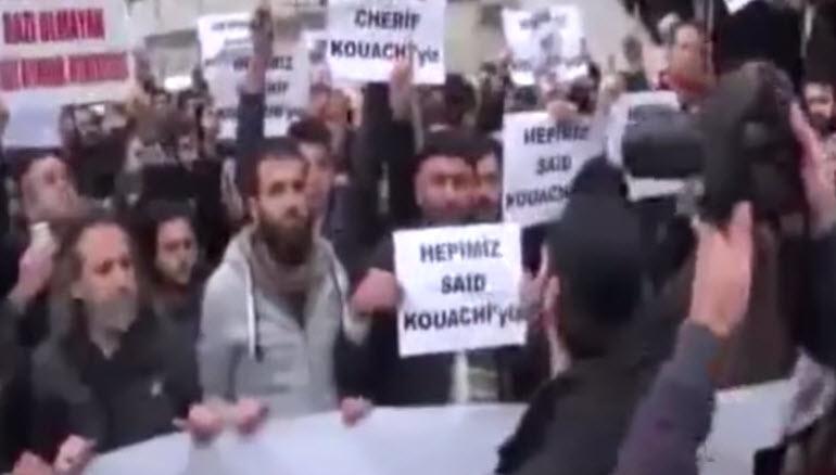 [Vidéo] Les musulmans font une prière pour les frères Kouachi à la mosquée Alfatih d'Istanbul. Pas d'amalgame ?