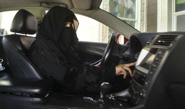 Arabie Saoudite : le roi Salmane décrète le droit de conduire aux femmes sans la présence de leur tuteur légal
