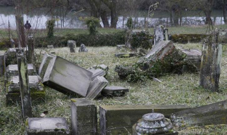 Profanation au cimetière juif de Sarre-Union: Prison seulement avec sursis pour les cinq accusés gauchistes