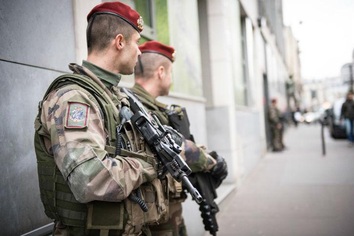[Audio] Dimitri Casali : « L'armée est notre dernier rempart contre le terrorisme islamique ! »