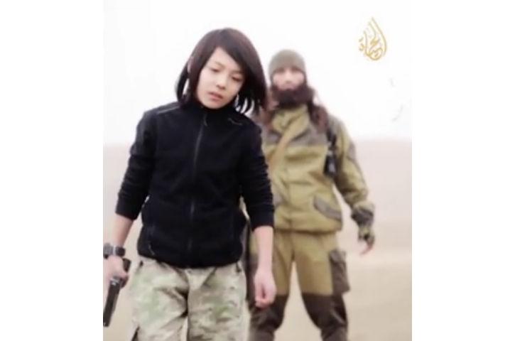 L'Etat islamique diffuse la vidéo de l'exécution de deux Russes par un enfant