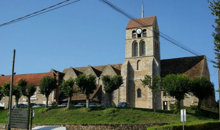 Provocation : une église du Cher transformée en mosquée