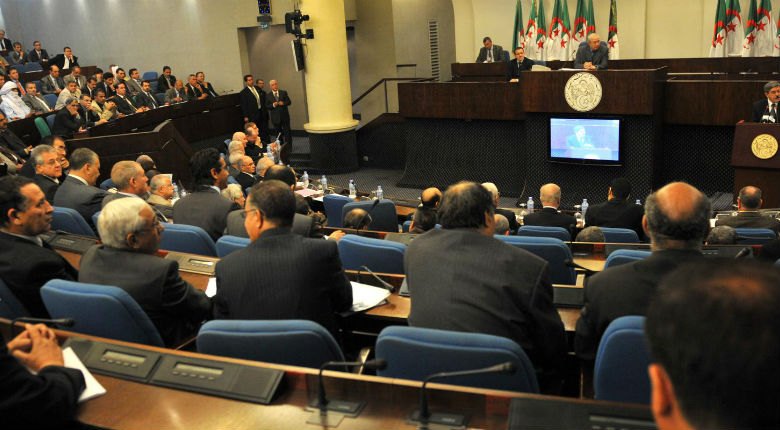 Algérie : des conservateurs jugent les femmes non voilées responsables du harcèlement