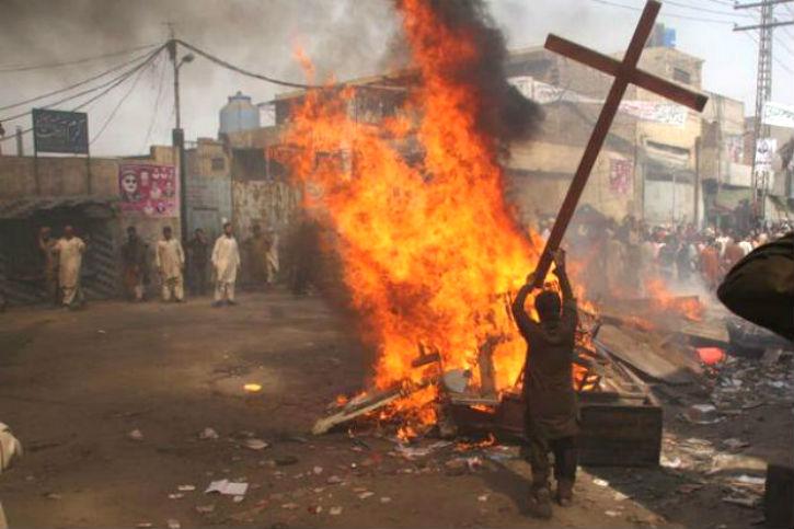Le génocide des Chrétiens d'Orient bat son plein et le monde drape l'Islam dans sa vertu