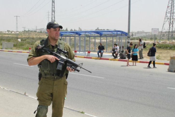 Un terroriste palestinien a tenté de poignarder une soldate israélienne dans le Goush Etzion