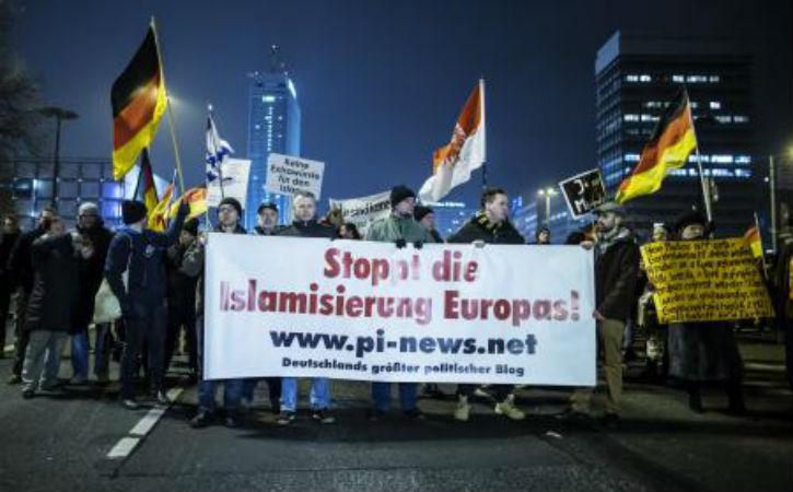 Belgique: Pour le nº1 de Pegida, Elsen «est un couillon» en interdisant une manifestation anti-islamisation à Verviers
