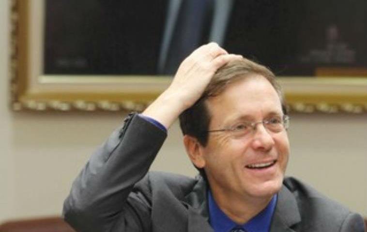 Elections israéliennes: «Herzog a perdu la tête» de vouloir nommer un député arabe à la commission des affaires étrangères et de la défense