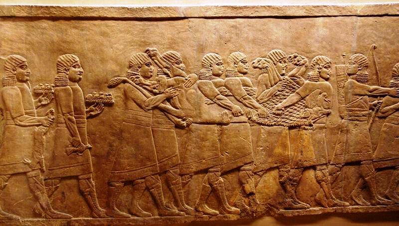 L'Etat Islamique détruit au bulldozer les vestiges d'une cité assyrienne en Irak.