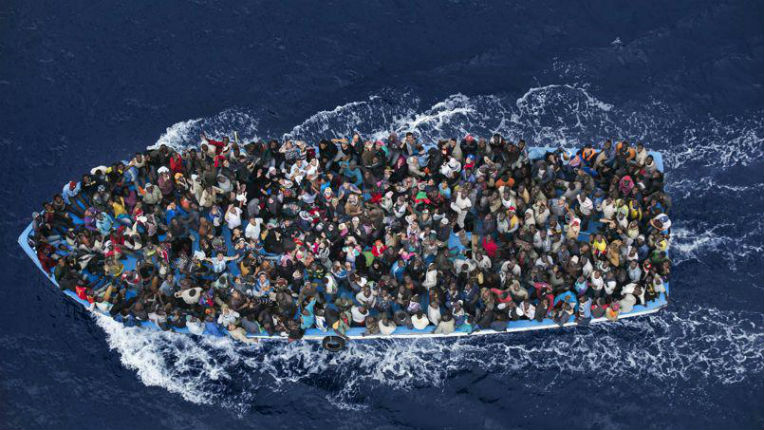 Un docteur en économie révèle : la France ruinée par l'immigration extra-européenne