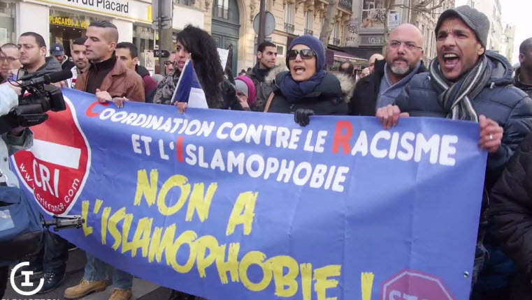 Islam manifestations pour l 39 abrogation de la loi du 15 - La loi sur le port du voile en france ...