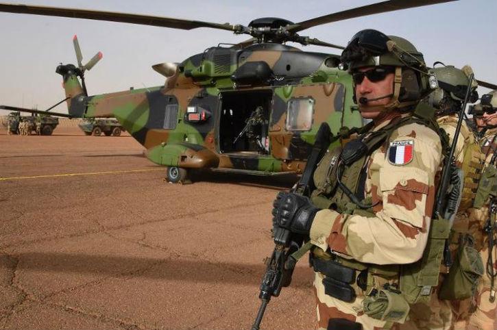 La France se sent seule face à la montée des menaces en Afrique. L'armée française a atteint la limite de ses moyens