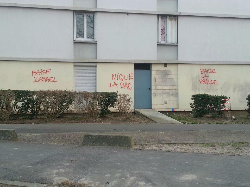tags antisémites et anti-france à Valenton
