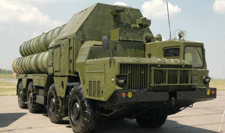 Israël fait face aux systèmes antiaériens russes S-300 en développant de nouveaux missiles