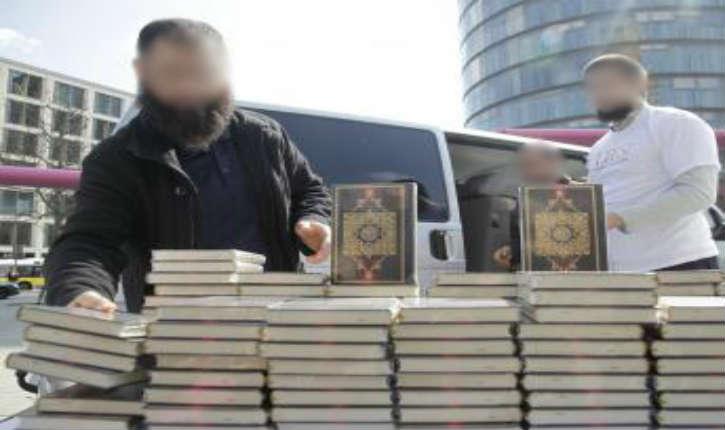 Ubuesque : L'Allemagne saisit 22 000 exemplaires d'une version fondamentaliste du Coran, mais ne sait pas comment s'en débarrasser !