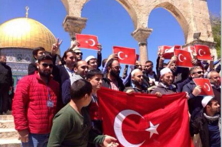 Le chef du Hamas Ismail Haniyeh «Nous soutenons la Turquie contre la campagne au sujet du prétendu génocide Arménien»