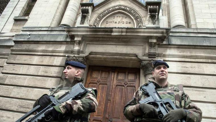 Antisémitisme à Villeurbanne : agression violente de deux agents de sécurité devant une synagogue