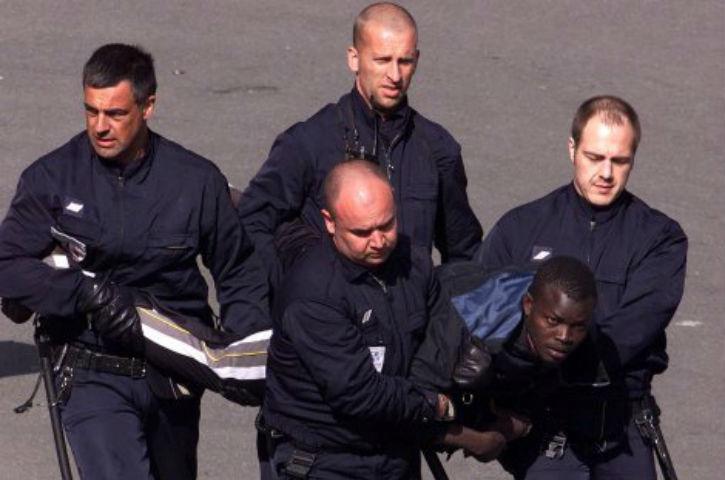 800 migrants clandestins interpellés dans les Alpes-Maritimes en 5 jours selon le syndicat Alliance. 2.200 migrants en trois mois