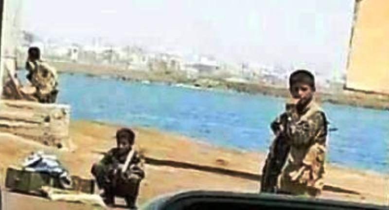 [Vidéo] – Yemen : des enfants soldats combattent en première ligne.
