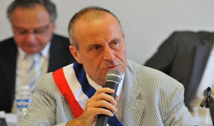 Nicolas Sarkozy et Christian Estrosi, ont condamné Robert Chardon pour des propos islamophobes sur Twitter