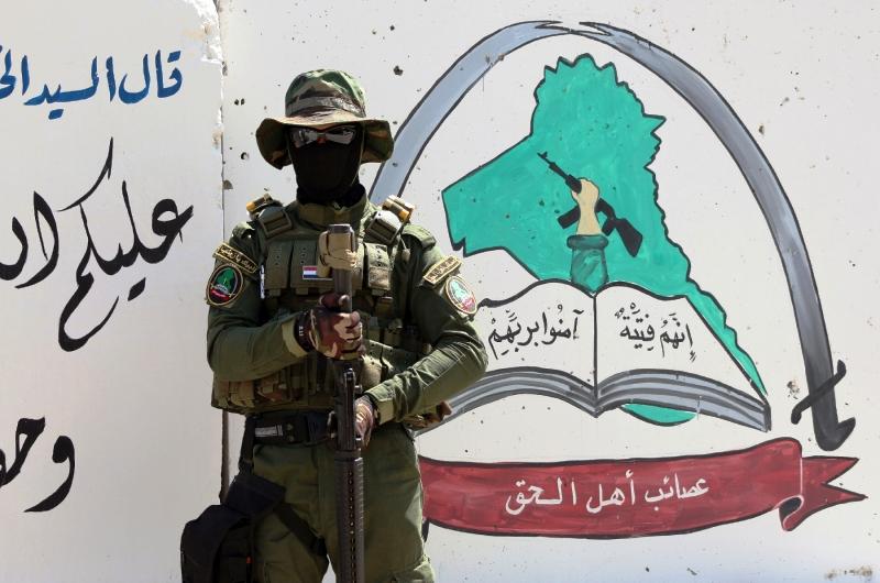 L'État islamique célèbre la prise de Ramadi dans un bain de sang. 25.000 personnes fuient leurs maisons.