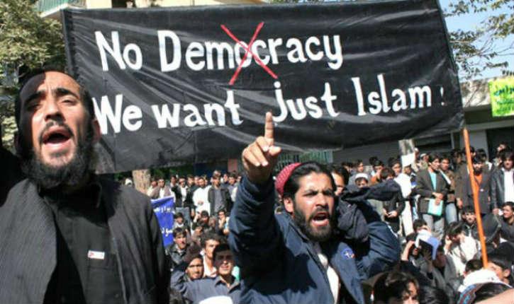 Puisque les médias le disent : Pas d'amalgame, l'islam n'a rien à voir avec l'islamisme… d'ailleurs Pétain n'a rien à voir avec la collaboration…