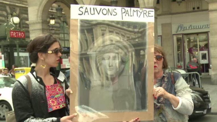 [Vidéo] Manifestation à Paris pour sauver Palmyre. Syrie: les djihadistes de l'Etat islamique sont entrés dans le musée de Palmyre